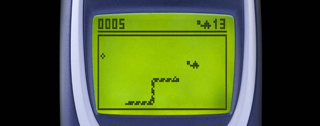 Snake 97 playing Snake 2.